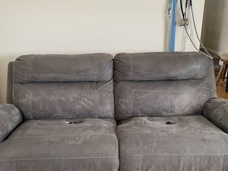 Free Reclining Couch for Sale in Westmont,  IL