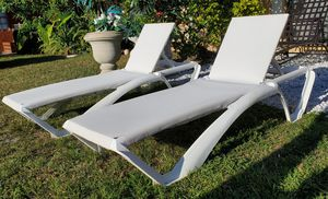 Pair of white adjustable lounge chairs for Sale in Boca Raton, FL