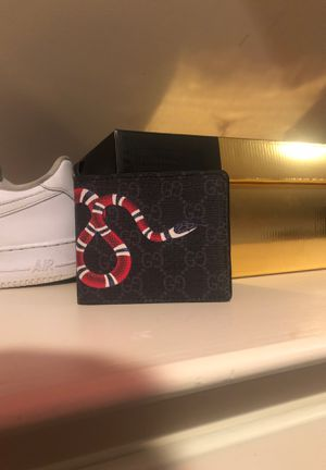 Gucci snake wallet for Sale in Wilton, CT