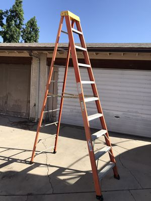Louisville 10' Fiberglass A-frame step ladder 10 feet foot pies Escalera $165 in Ontario 91762 for Sale in Ontario, CA