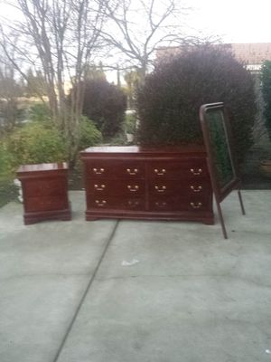 8 Drawer Cherry Dresser, 3 Drawer Night Stand, and Mirror for Sale in Clovis, CA