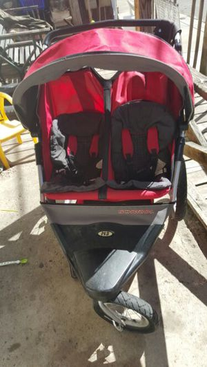(25%off until 11/23)Schwinn double jogging stroller for Sale in Pittsburgh, PA