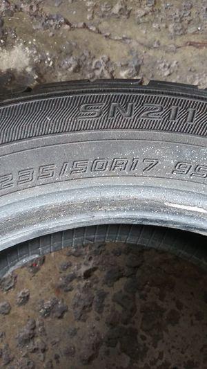 235/50/17 fallen tire 3,000 miles on it run a flat for Sale in Brooklyn, OH