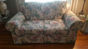 Broyhill sleeper sofa and matching love seat for Sale in Reedley, CA