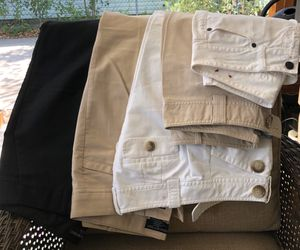 5 pairs of women's size 2 Petite pants for Sale in Fort Worth, TX