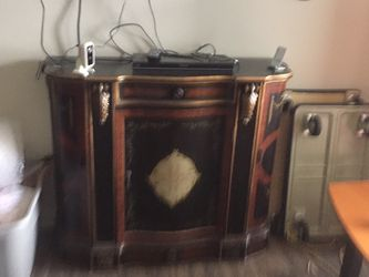Antique Looking Cabinet With Doors On Each Side for Sale in Casselberry,  FL