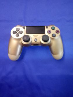 PS4 Gold Controller for Sale in Port Charlotte,  FL