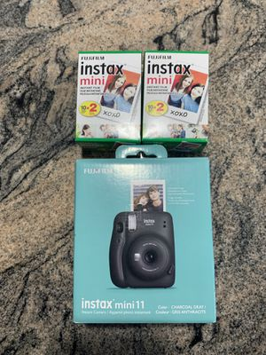 Fujifilm instax mini 11 brand new for Sale in Cleveland, OH