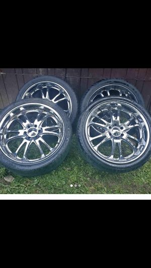 24 inch boss rims...6 lug for truck came off a avalanche truck....all they need is a lil clean up and ur ready for the summer for Sale in Portland, OR