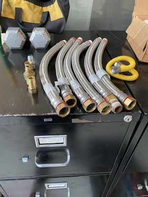 "6 Water heater connector hoses 3/4"" fip x 3/4"" mip for Sale in Del Sur, CA"