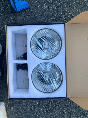 JKU / jk wrangler OEM headlight for Sale in Waltham, MA