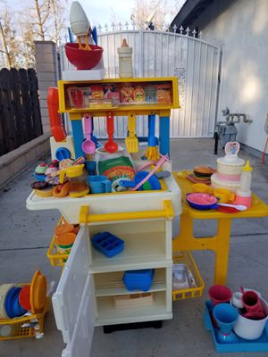 Vintage Fisher Price Kitchen with appliances and accessories for Sale in Etiwanda, CA