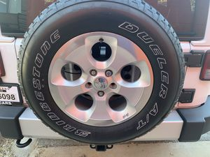 5 Jeep Wrangler Sahara Wheels and Tires for Sale in Silver Spring, MD