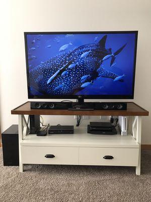 "47"" LG LED LCD TV & Samsung soundbar for Sale in Seattle, WA"