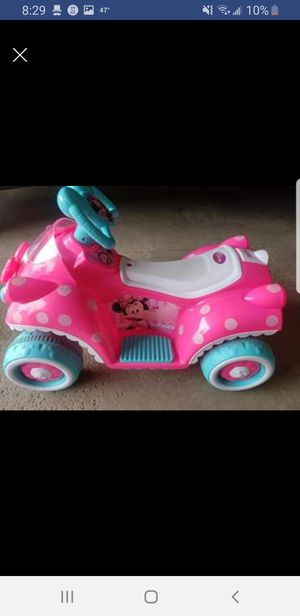 Minnie mouse 6volt quad car for Sale in Hanover Park, IL