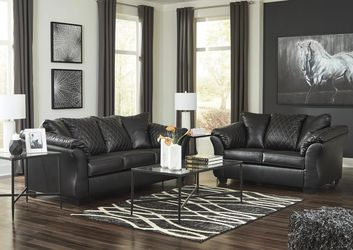 🚛🚚SAME DAY DELIVERY 🌴by Ashley betrillo Black( Loveseat And sofa) Living room set 👎👎 for Sale in Greenbelt,  MD
