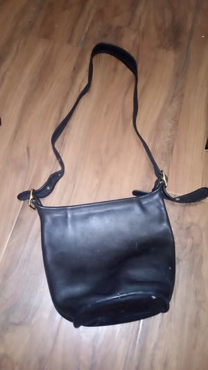 Authentic leather coach bag for Sale in Long Beach, CA