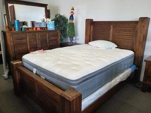 QUEEN BEDROOM SET (RECAMARA) for Sale in Lakewood, CA
