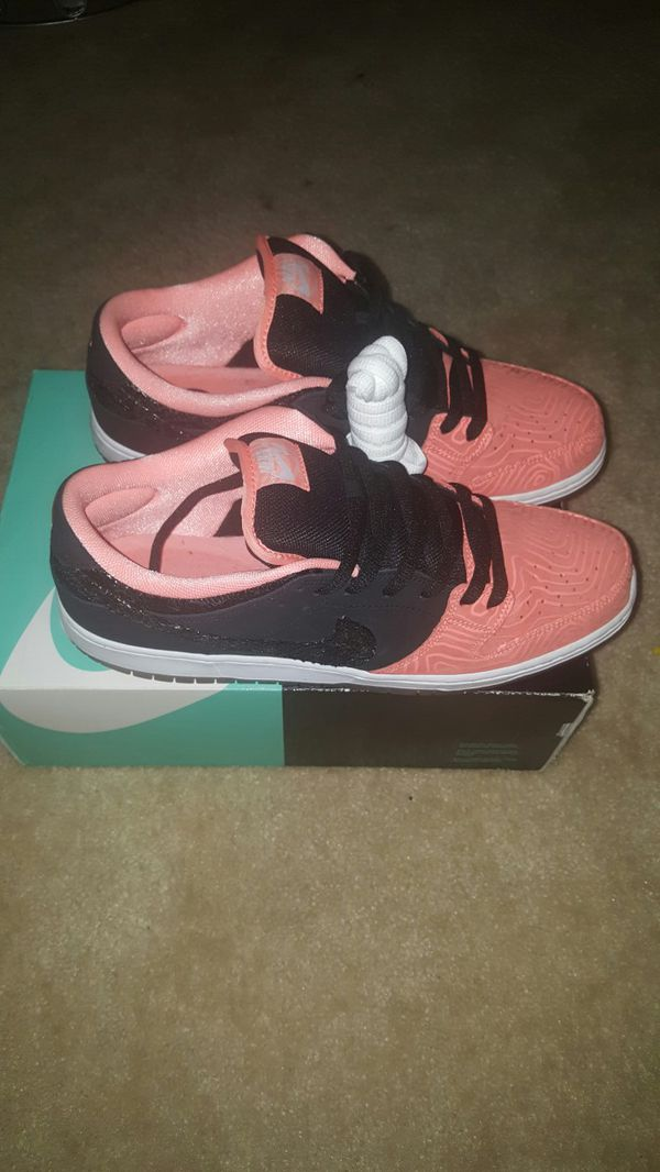 """SB DUNK LOW """"FISH SCALES """""""