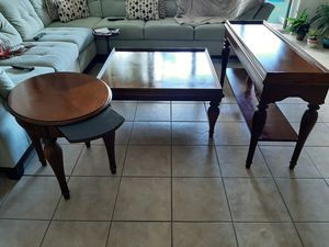 A living room table set. for Sale in Orlando, FL