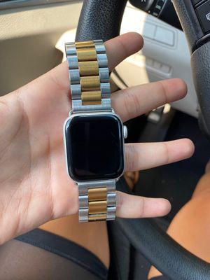 Series 3 apple watch for Sale in Newark, NJ