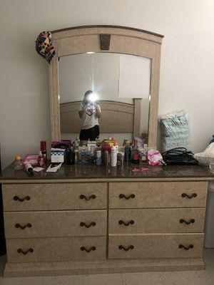 King Bedroom Set for Sale in Fresno, CA