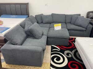 WE ARE OPEN! COMFY NEW AVENTURA SECTIONAL SOFA AND OTTOMAN SET ON SALE ONLY $699. SAME DAY DELIVERY!! FINANCING AVAILABLE!! for Sale in Tampa, FL