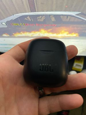 Jbl wireless earbuds with charger for Sale in Alexandria, VA