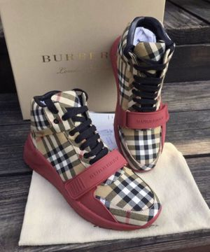 BURBERRY MENS SHOES 👞 for Sale in Vacaville, CA