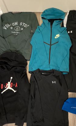 18 Piece Boy's Clothing Sz S Lot for Sale in Battle Ground,  WA