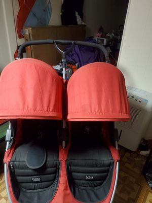 Britax double stroller good condition for Sale in Middlesex, NJ