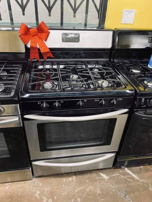 Gas stove for Sale in Los Angeles, CA