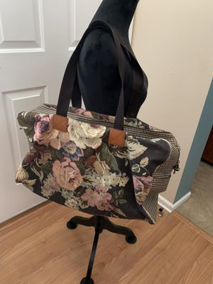 Pending pick up***Fun carpet bag houndstooth style tote for Sale in Lakewood, WA