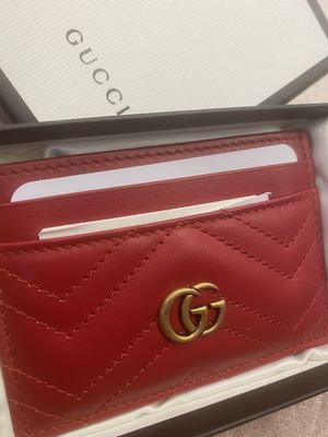 Gucci Red Card Wallet for Sale in Maywood, CA