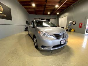 2017 Toyota Sienna for Sale in Costa Mesa, CA
