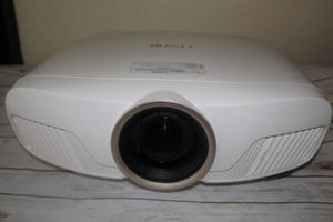 "Epson 4010 4K 3D projector With 100"" screen for Sale in Williamsport, PA"