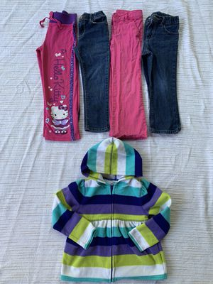 Girls size 5T lot OldNavy fleece jeans skinny bootcut hello kitty! for Sale in Painesville, OH