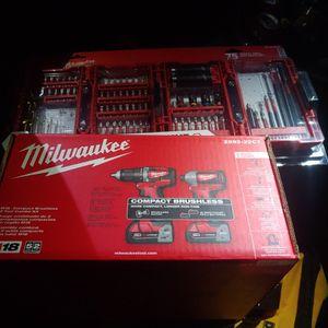 MILWAUKEE TOOLSET for Sale in Salinas, CA