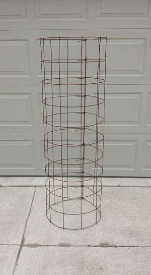 TOMATO CAGES for Sale in New London, MO