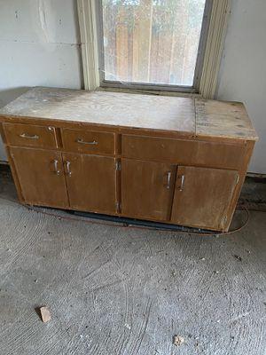 Free cabinet for Sale in Crockett, CA