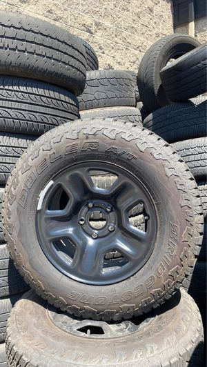 Jeep Wrangler JL wheels and tires for Sale in El Cajon, CA