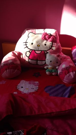 Hello Kitty bed set full size for Sale in Marysville, WA