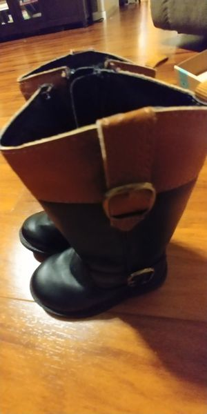 Toddler girl size 5 boots for Sale in Melbourne, FL