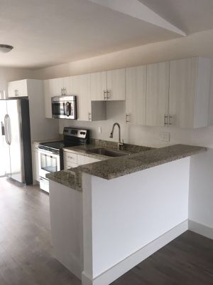 CUSTOM KITCHEN CABINETS, PRICES DEPENDS ON THE MEASUREMENTS for Sale in Hialeah, FL