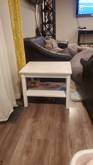 Solid wood white side table for Sale in Sacramento, CA