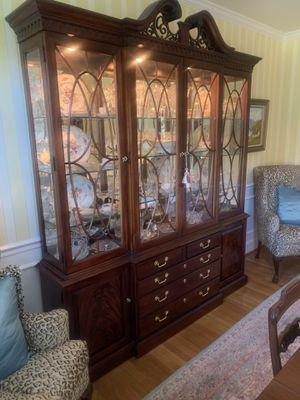 Thomasville china cabinet for Sale in Brentwood, TN