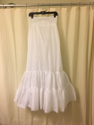 David's Bridal White Nylon Fit and Flare Slip Style 550- Sz 6 for Sale in UPR MARLBORO, MD