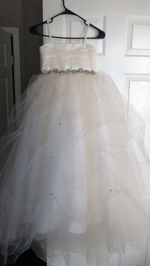 New Little bride or flower girl wedding dress for Sale in Severn, MD
