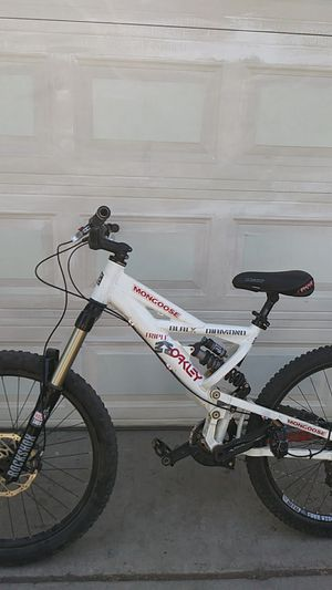 Mongoose triple black diamond downhill mountain bike for Sale in Chino, CA