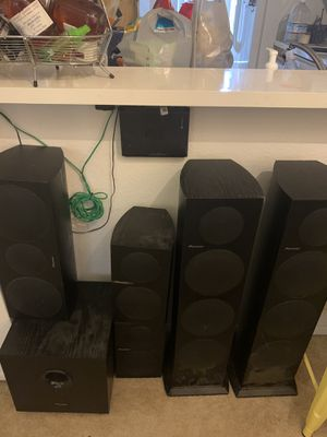 Pioneer home stereo receiver and speakers for Sale in Irvine, CA